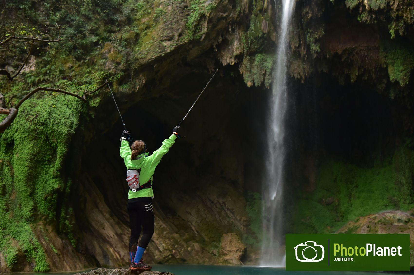 DECATHLON Black Bear Ultra Trail 100K